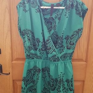 Tunic top emerald green blk paisley lg